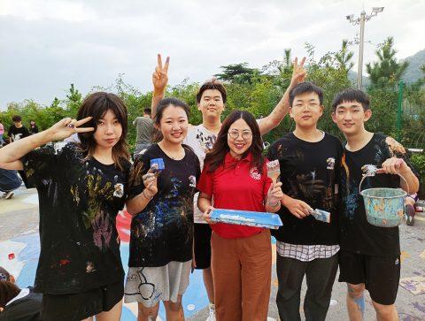 同庆盛世中华  青岛为明学校国际部第三届大地彩画艺术节作品邀您来评选!